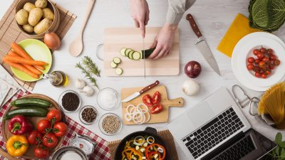 Eating Cheap and Healthy: A Recipe for the College Student